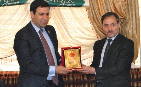 Bilek Federasyon Başkanından, Yavuz'a teşekkür plaketi