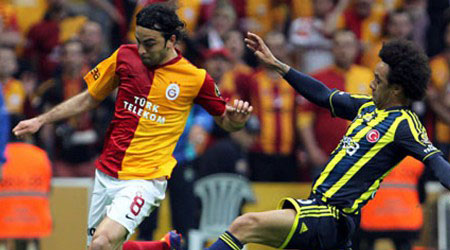 Fenerbahçe ve Galatasaray'ın Avrupa başarı Türkiye'yi gururlandırdı