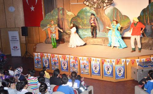 Güvenli Okul'da 'Kurbağa Prens' Tiyatrosu
