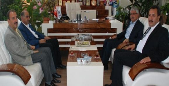 Belediye Başkan Yardımcılarından Kaya'ya tebrik ziyareti