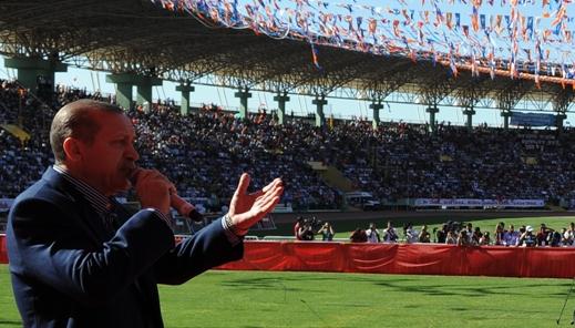 AK Parti meydanlara iniyor