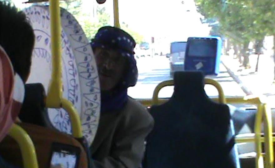 Şanlıurfa'da şehir içi otobüsünde canlı müzik VİDEO