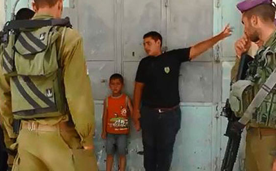 İsrail 5 yaşındaki çocuğu gözaltına aldı