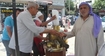 Ramazan'ın vazgeçilmezi; Meyan şerbeti