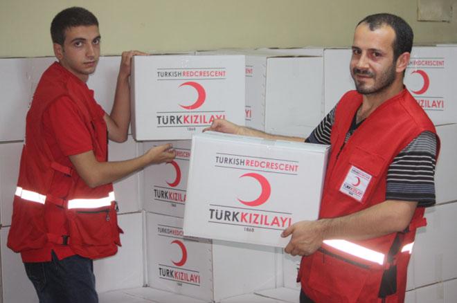 Kızılay'dan Fakir Ailelere Gıda Yardımı