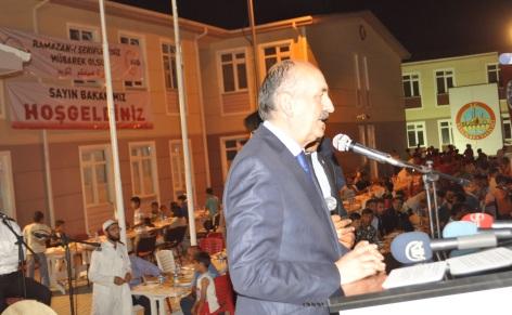 Sağlık Bakanı Mehmet Müezzinoğlu Harran Çadır Kentte İftarını Açtı VİDEO