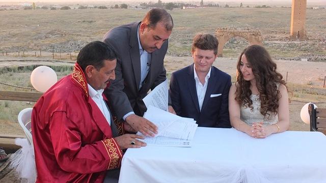 Harran Üniversitesi kalıntılarında nikah kıydılar