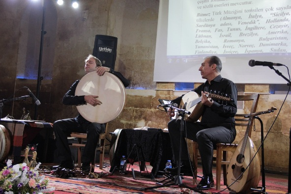 Mehmet Bitmez ve Jarrod Cagwin'den Urfa'da konser VİDEO