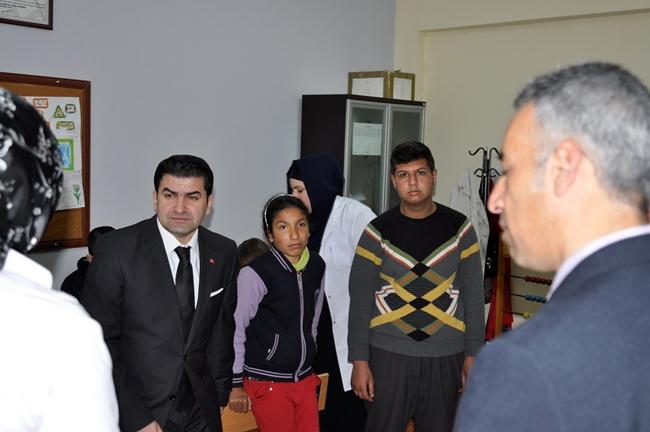 Ceylanpınar Kaymakamından, TEOG Türkiye birincisine ödül