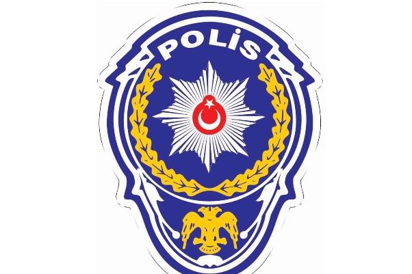 8 polis serbest bırakıldı