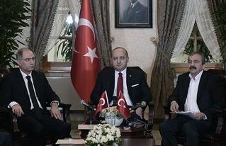 Akdoğan ve Önder'den PKK'ya silah bırakma çağrısı