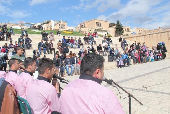 Yeşilay'dan gençler için ilahi konseri