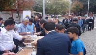 Birlik Vakfı Gaziantep'te aşure dağıttı