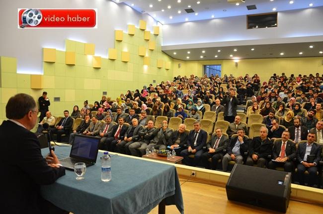 Rıza Akçalı'dan 'Müsbet Hareket' Konferansı