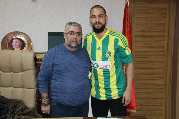 Timur Bayram Özgöz Şanlıurfaspor'a imzayı attı