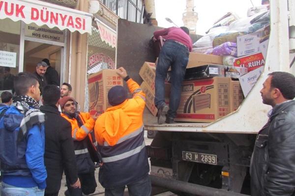 Siverek'ten Sur'a 2 kamyon yardım