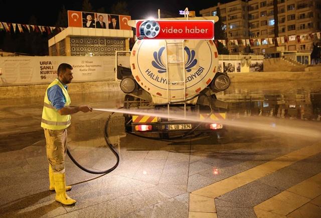 Haliliye Belediyesi her sabah sokakları temizliyor