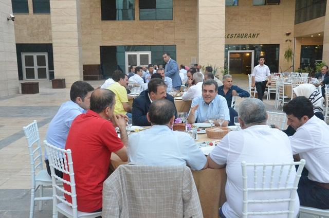 AK Parti Şanlıurfa Teşkilatları İftar sofrasında buluştular