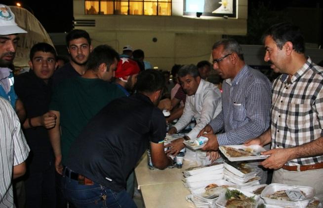 Şanlıurfa Büyükşehir Belediyeden sivil nöbetçilere destek
