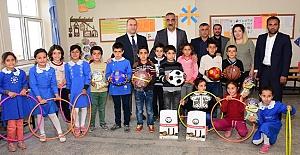 Başkan Aslan Ali Bayık Öğrencileri Sevindirdi
