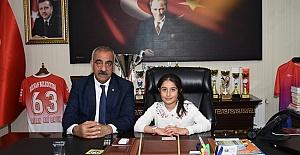 Başkan Bayık, 23 Nisanda koltuğunu küçük Emine'ye bıraktı