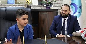 Eyyübiye'de başkanlık koltuğuna minik Yiğit oturdu