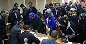 Halk Eyyübiye Belediye Başkanı Kuş'un Başına Üşüştü