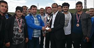 Süper lige yükselen Ceylanpınar Belediyesi Engelliler Basketbol coşkuyla karşılandı