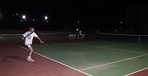 Doğu-Batı tenis turnuvası yapıldı