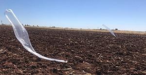 Viranşehir'de bir tarlaya ucunda uçaksavar mühimmatı bulunan balon düştü