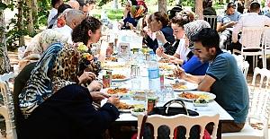 Büyükşehir PKU hastalarına ve ailelerine yemek verildi
