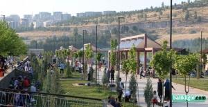 Sosyal tesisler Şanlıurfalılara nefes aldırıyor