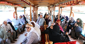 Urfa Büyükşehir Yaşlılarını Halfeti Gezisine götürdü