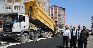 Büyükşehir Belediyesi Siverek'te Asfaltlama Çalışmaları Başlattı