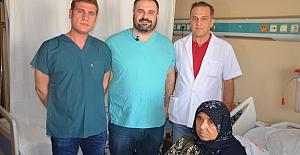Urfa'da Menteşeli Revizyon Diz Protez Ameliyatı Yapıldı