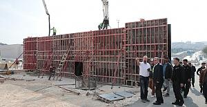 Başkan Beyazgül, Karakoyun Köprülü Kavşağı'ndaki Çalışmaları İnceledi