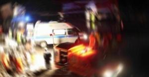 Ticari araç TIR'a arkadan çarptı: 3 Yaralı
