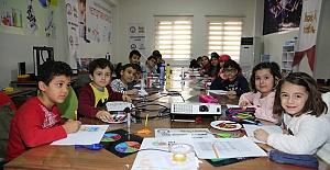 Ara Tatilde Karaköprü'de Çocuklar Robotik Kodlama Öğreniyor