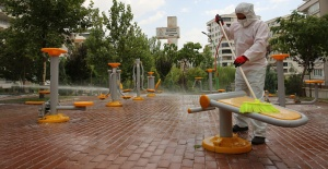 Bayram Öncesi Karaköprü'de Parklar Dezenfekte Edildi