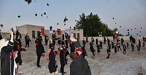 Harran Tıp Bu Yıl 105 mezun verdi