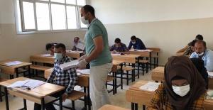 Resulayn ve Telabyad'da YÖS Sınavı Yapıldı