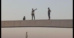 Urfa'da Tik Tok çekimleri için tehlikeli tırmanış