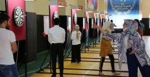 Şanlıurfa'da gençler Dart Turnuvasında hünerlerini sergiledi