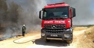 Şanlıurfa'da ormanlık alanda yangına itfaiyeden anında müdahale