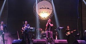Selçuk Balcı Şanlıurfalılarla konser verdi