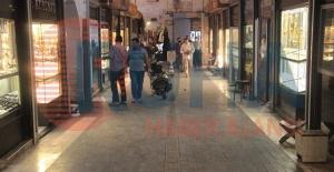 Urfa'da kuyumcu dükkanını soydular