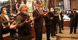 Başkan Kuş Esnafın Bereket duasına eşlik etti