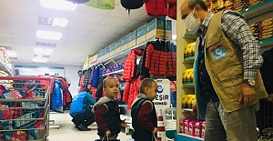 Beşir Derneği Urfa'da Yetim ve Fakir Çocukları Giydiriyor