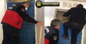 Evde kilitli kalan çocuk itfaiye ekiplerince kurtarıldı