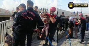 Demir korkuluklara sıkışan çocuğu itfaiye ekipleri kurtardı